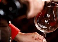 葡萄酒在酒杯流动动态图