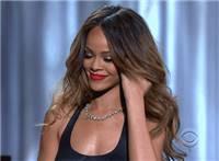黑人丰满黝黑性感胸口金发美女动态图